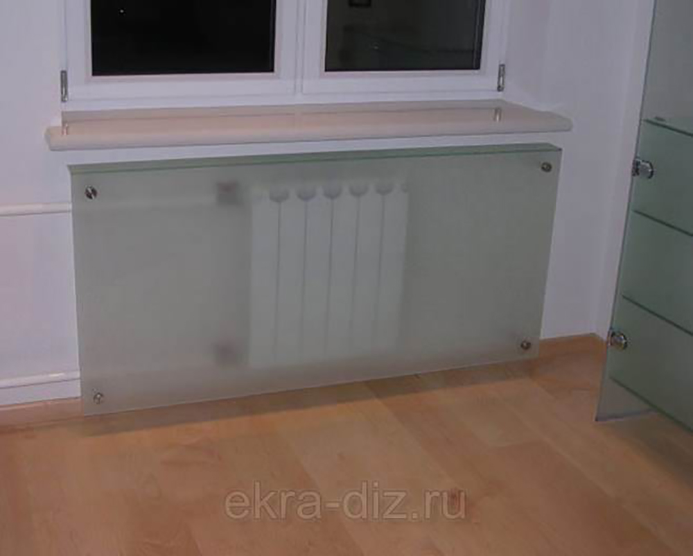 Экран на радиатор отопления из стекла