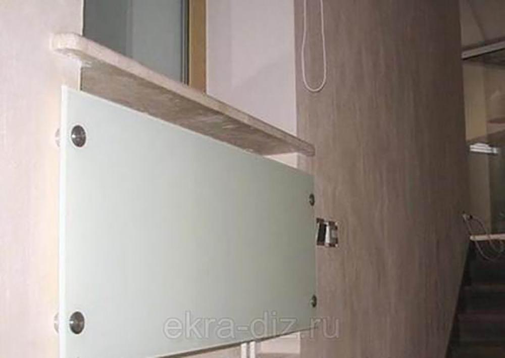 Стеклянные декоративные панели на батарею